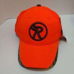 Realtree Accessories - NWT Realtree hunting cap